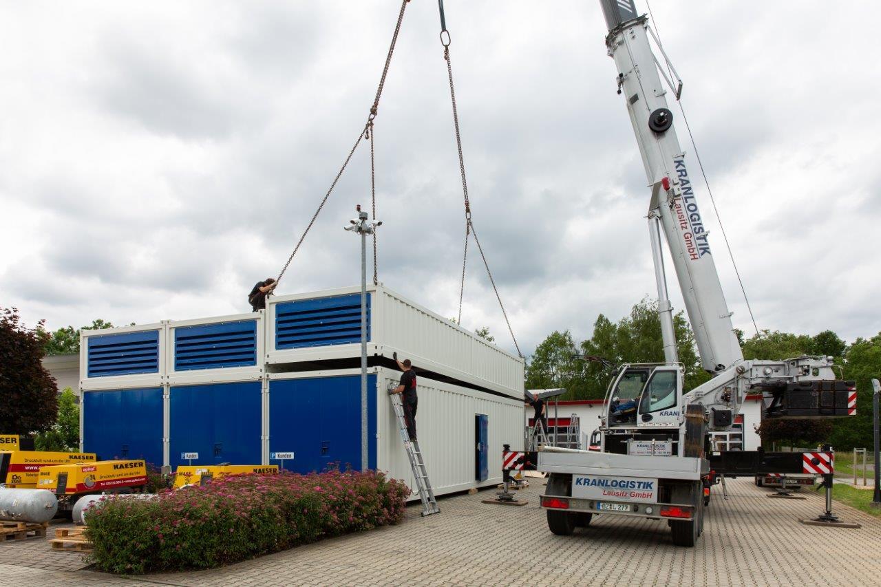 Montagebeginn einer Container-Druckluftanlage in einer anderen Dimension ...